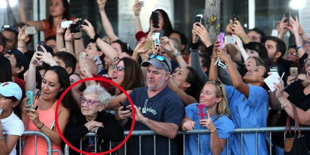 image of people with smartphones